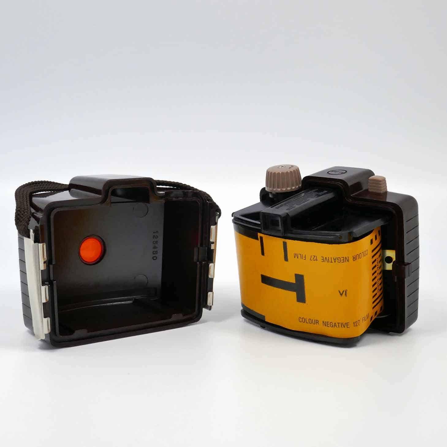 clean-cameras-Kodak-Box-Brownie-Chiquita-03