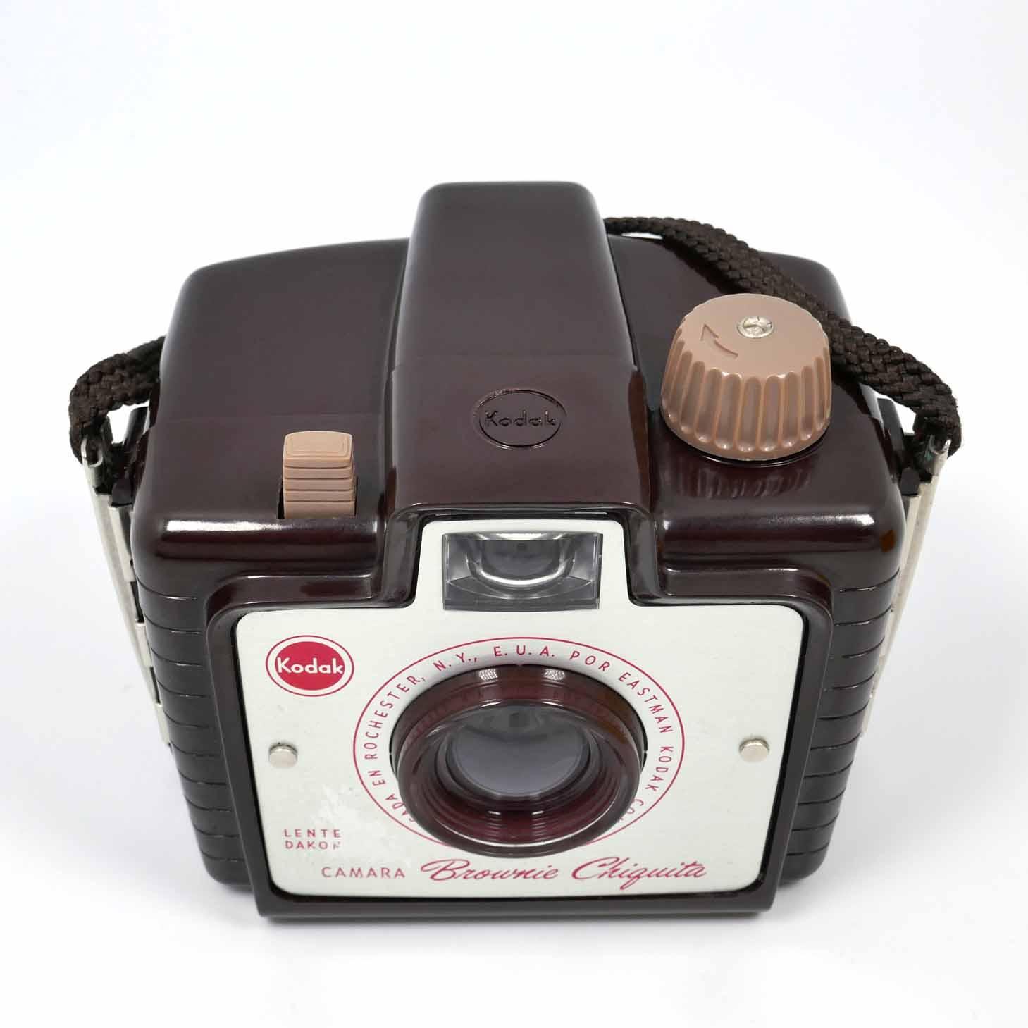 clean-cameras-Kodak-Box-Brownie-Chiquita-05