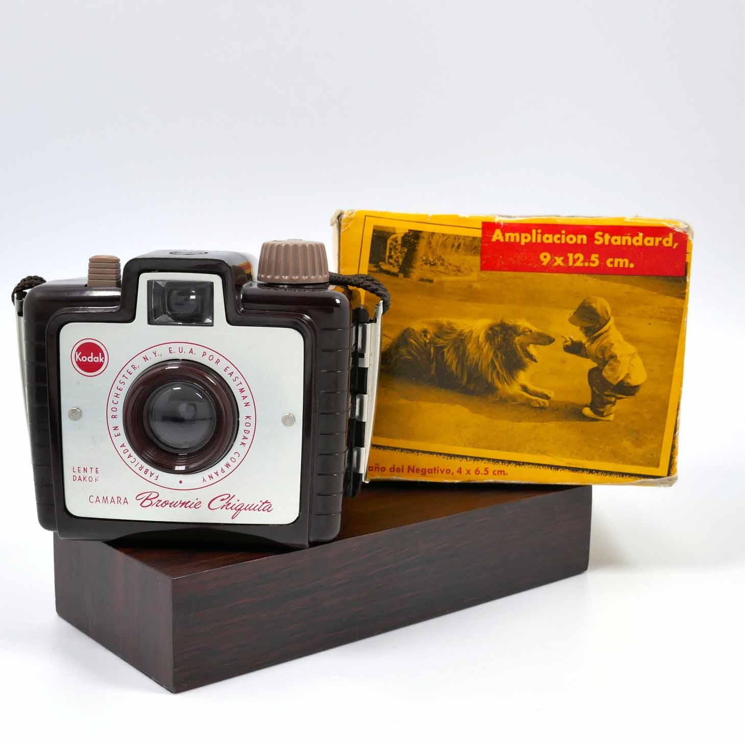 clean-cameras-Kodak-Box-Brownie-Chiquita-06