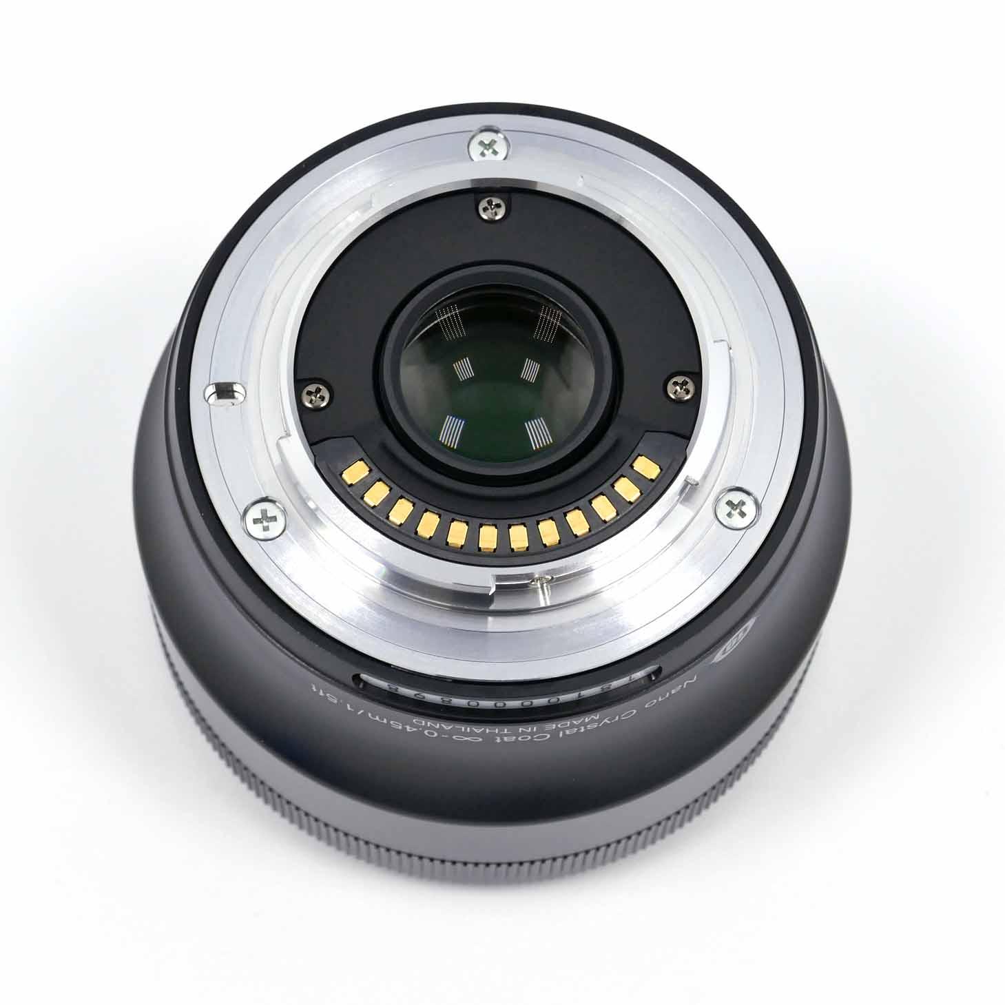clean-cameras-Nikon-1-32mm_1.2-03