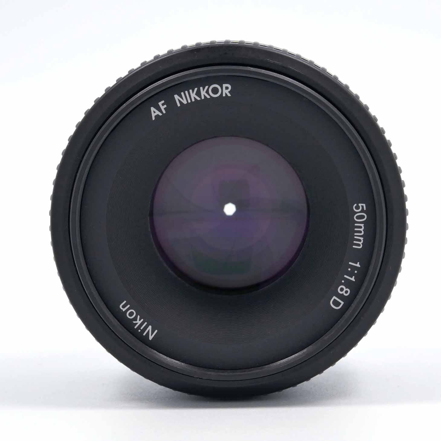 clean-cameras-Nikon-AF-50mm-1.8-D-03