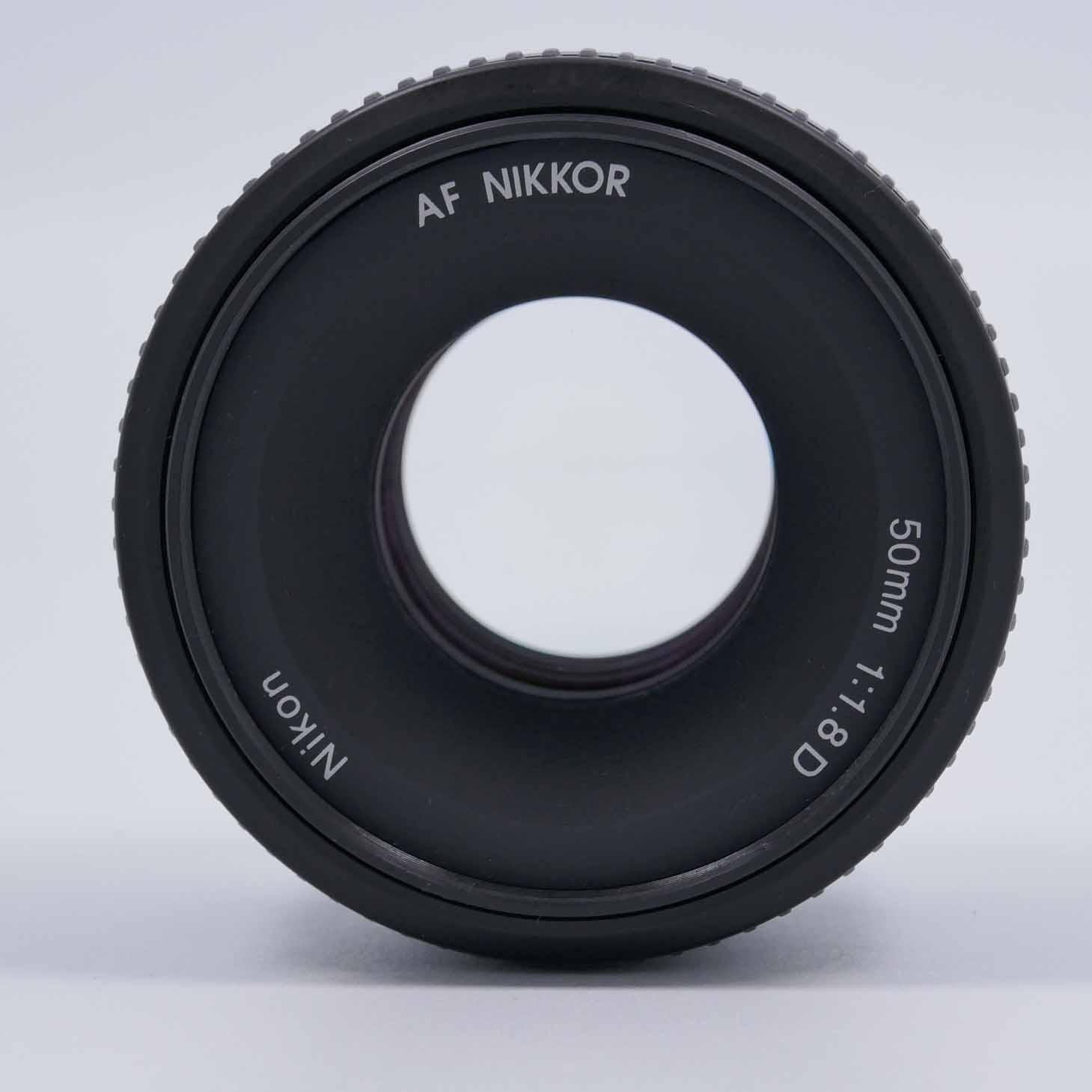 clean-cameras-Nikon-AF-50mm-1.8-D-09