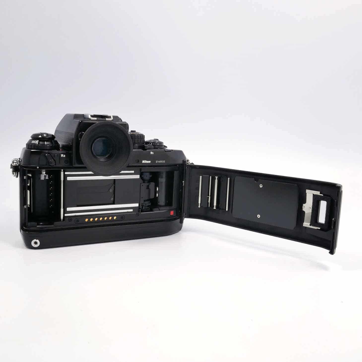 clean-cameras-Nikon-F4-02