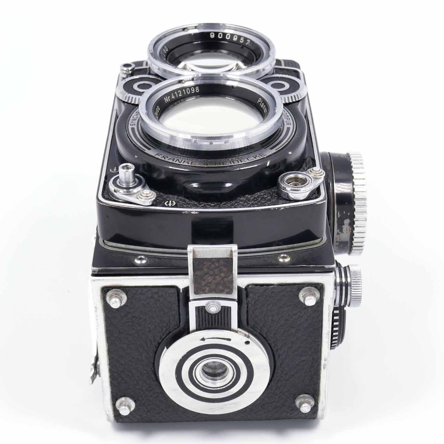 clean-cameras-Rolleiflex-2.8-F03