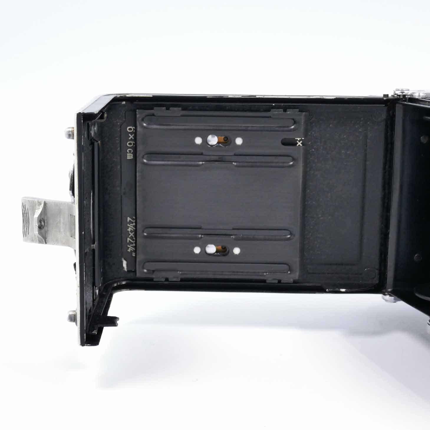 clean-cameras-Rolleiflex-2.8-F05