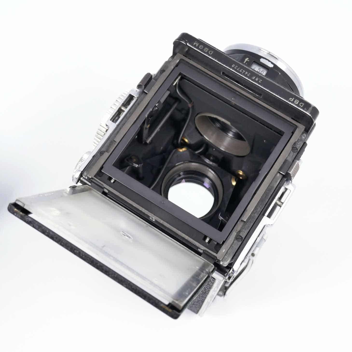clean-cameras-Rolleiflex-2.8-F06