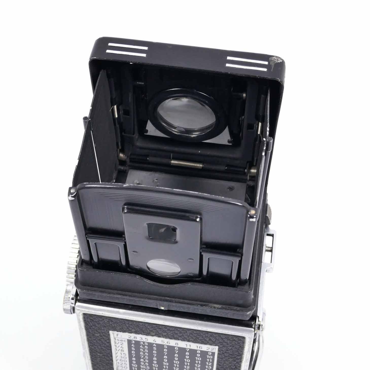 clean-cameras-Rolleiflex-2.8-F08