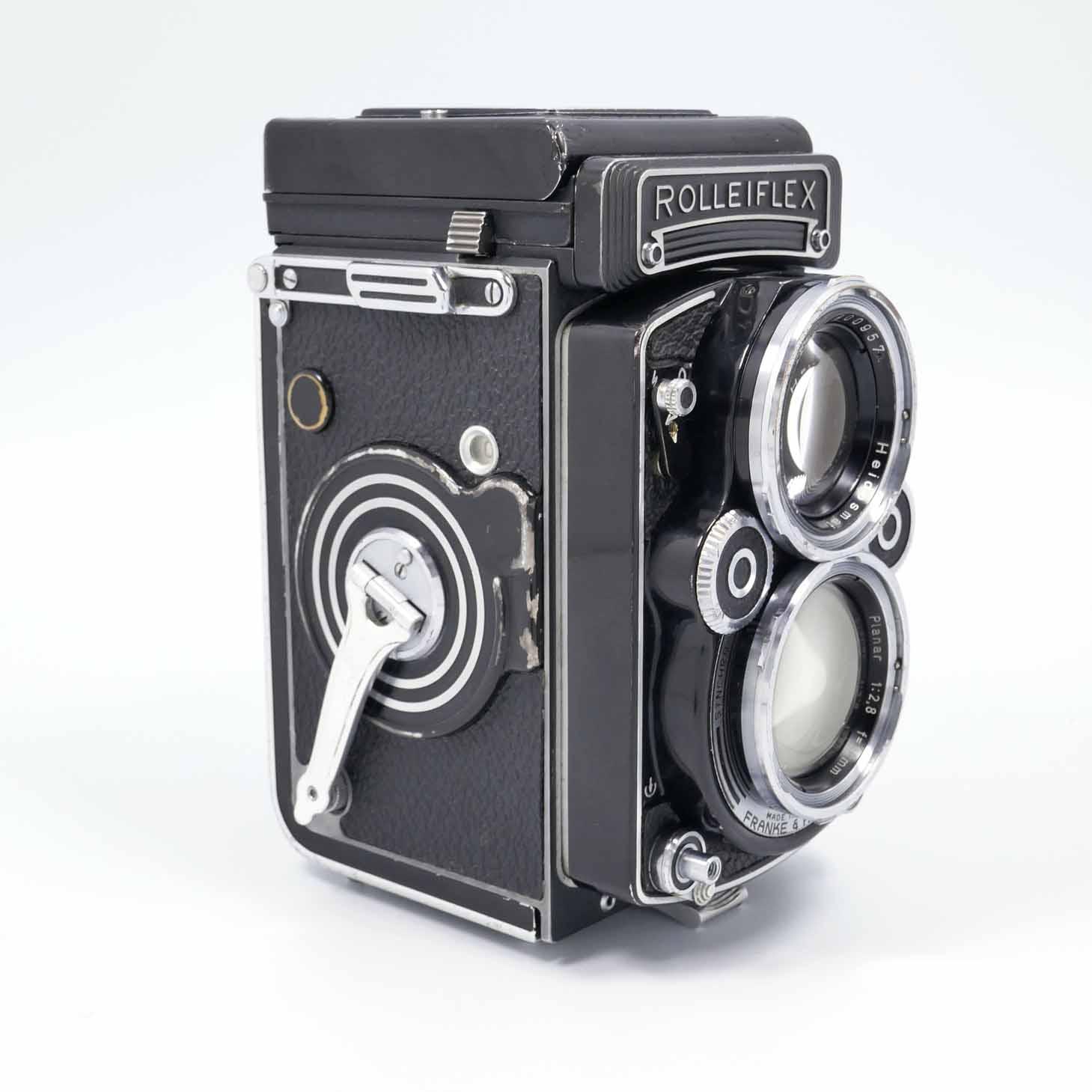 clean-cameras-Rolleiflex-2.8-F09