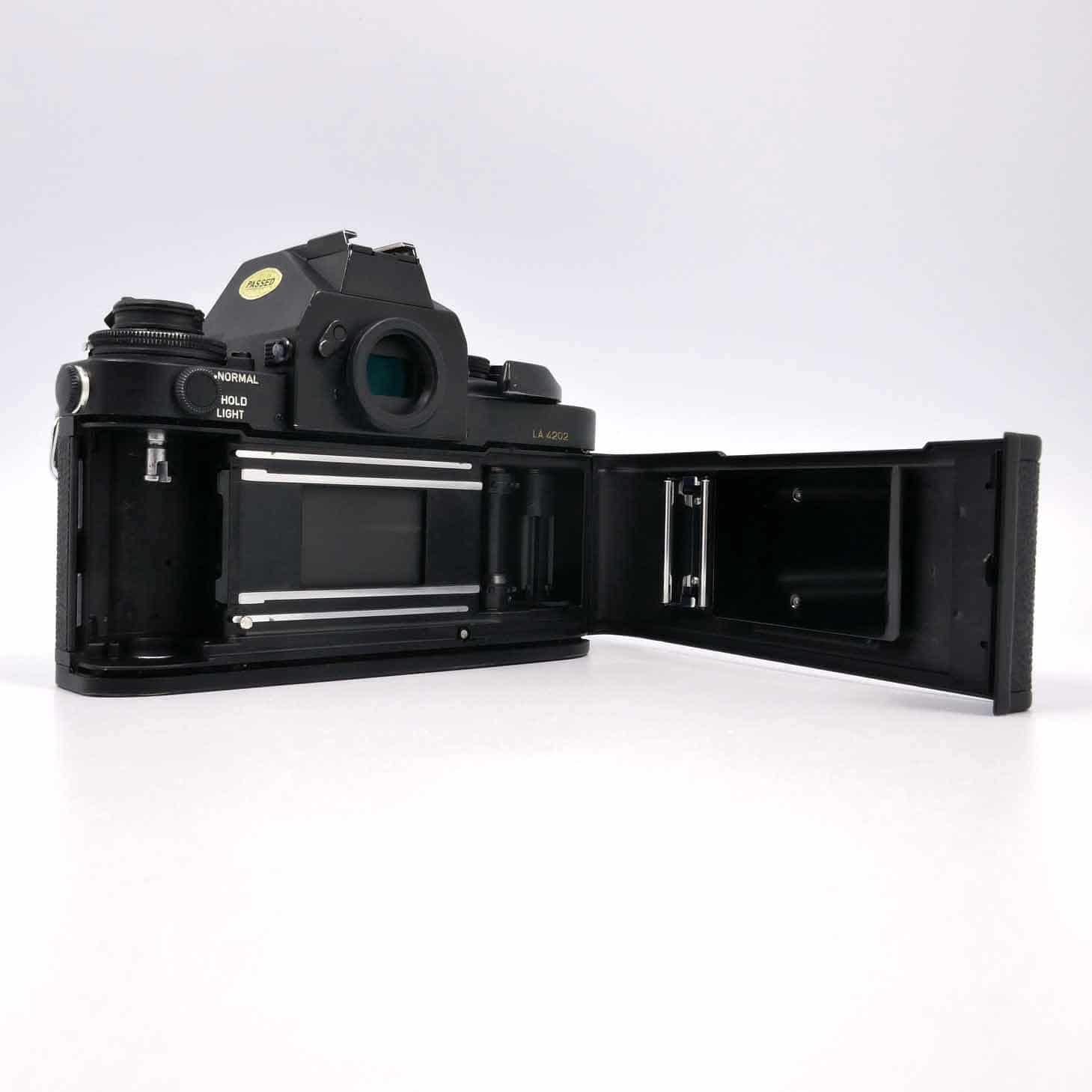 clean-cameras-Canon-F-1-Los-Angeles-04