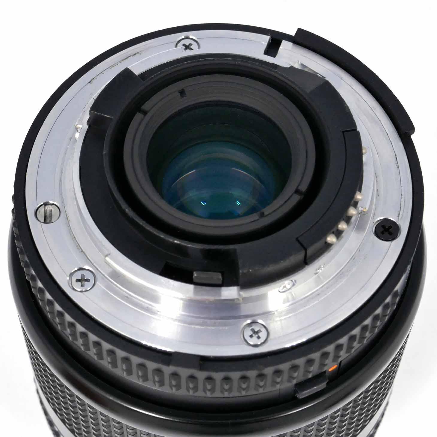 clean-cameras-Nikon-Nikkor-AF-D-35-105-mm-3.5-5.6-02