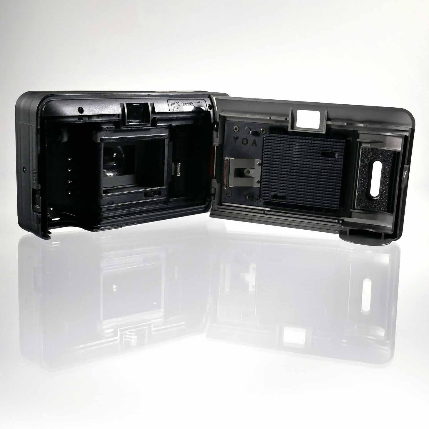 clean-cameras-Konica-Big.mini-02