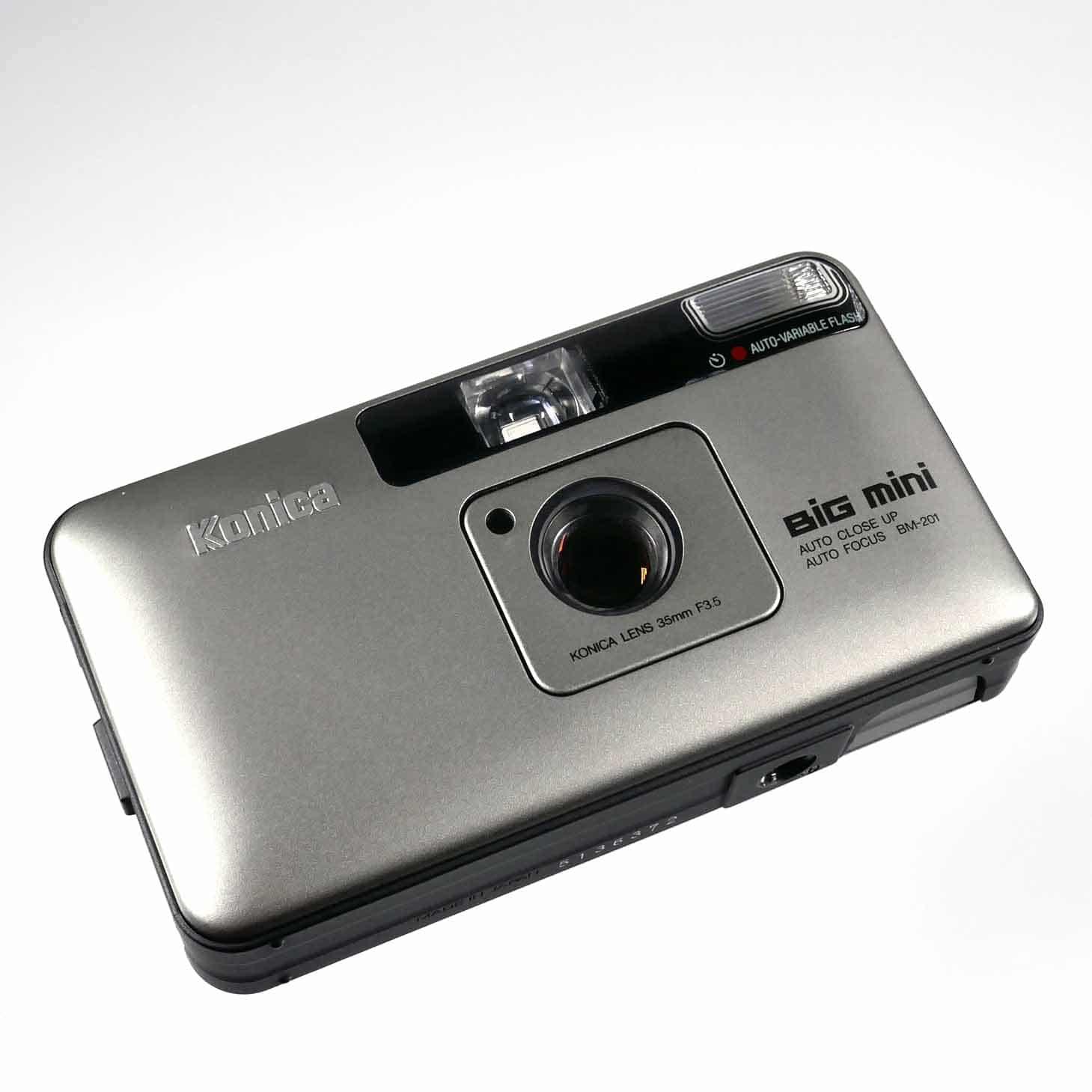 clean-cameras-Konica-Big.mini-05