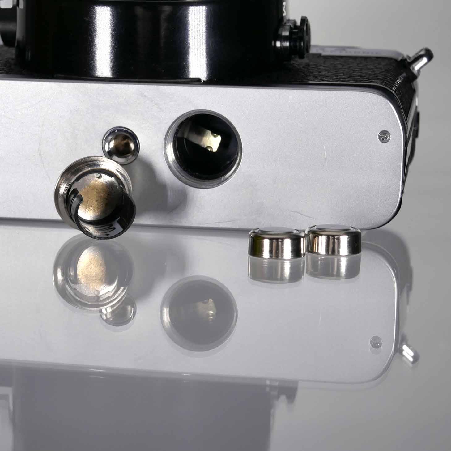 clean-cameras-Leica-R3-Summicron-50mm-01