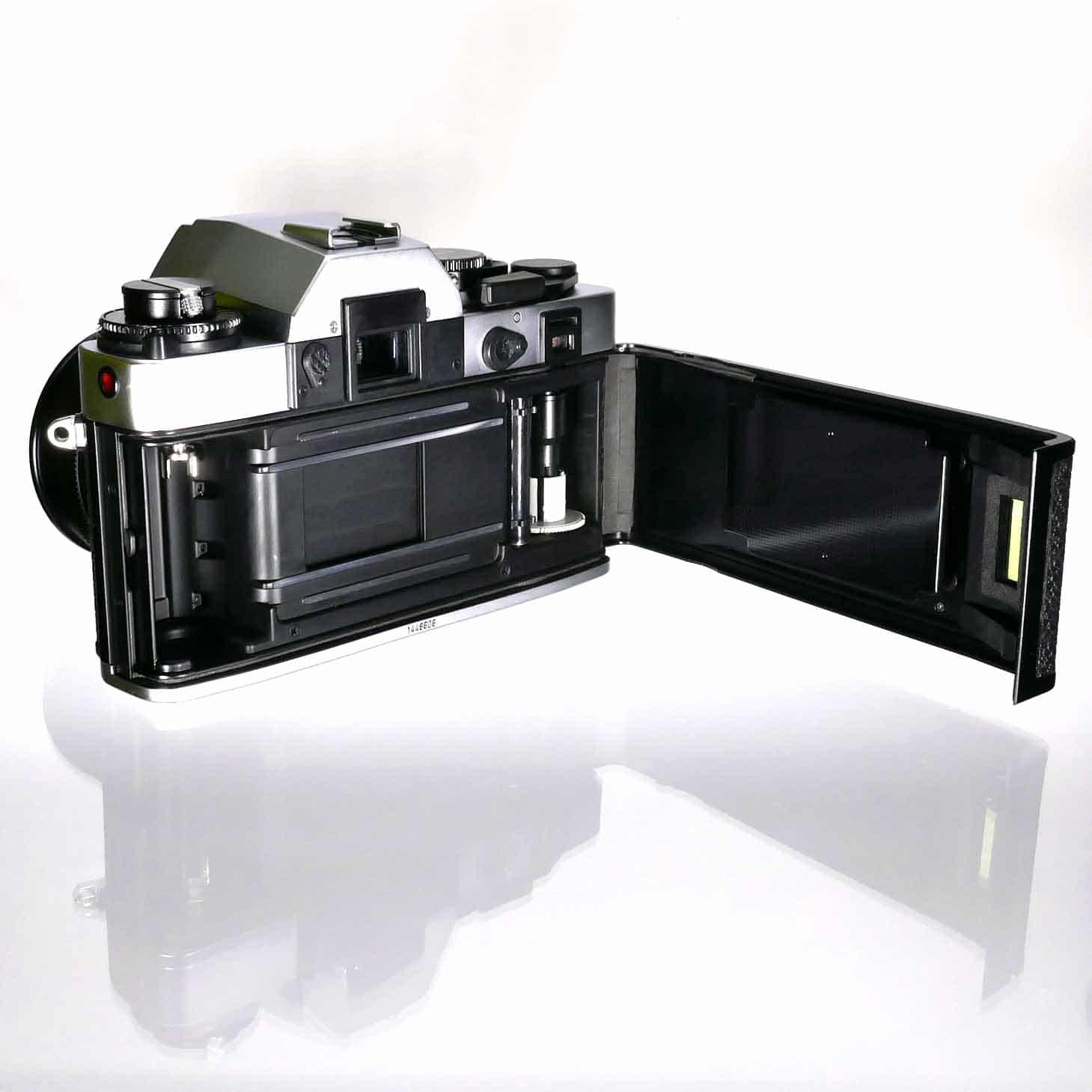 clean-cameras-Leica-R3-Summicron-50mm-05