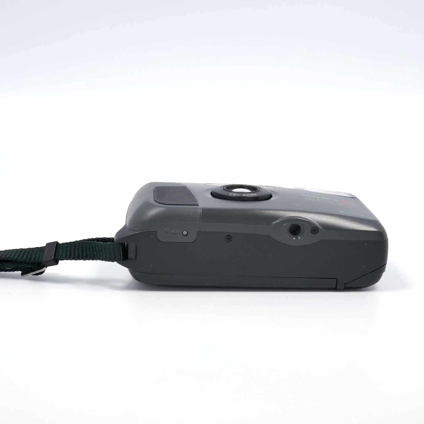 clean-cameras-Yashica-T4-Safari-02
