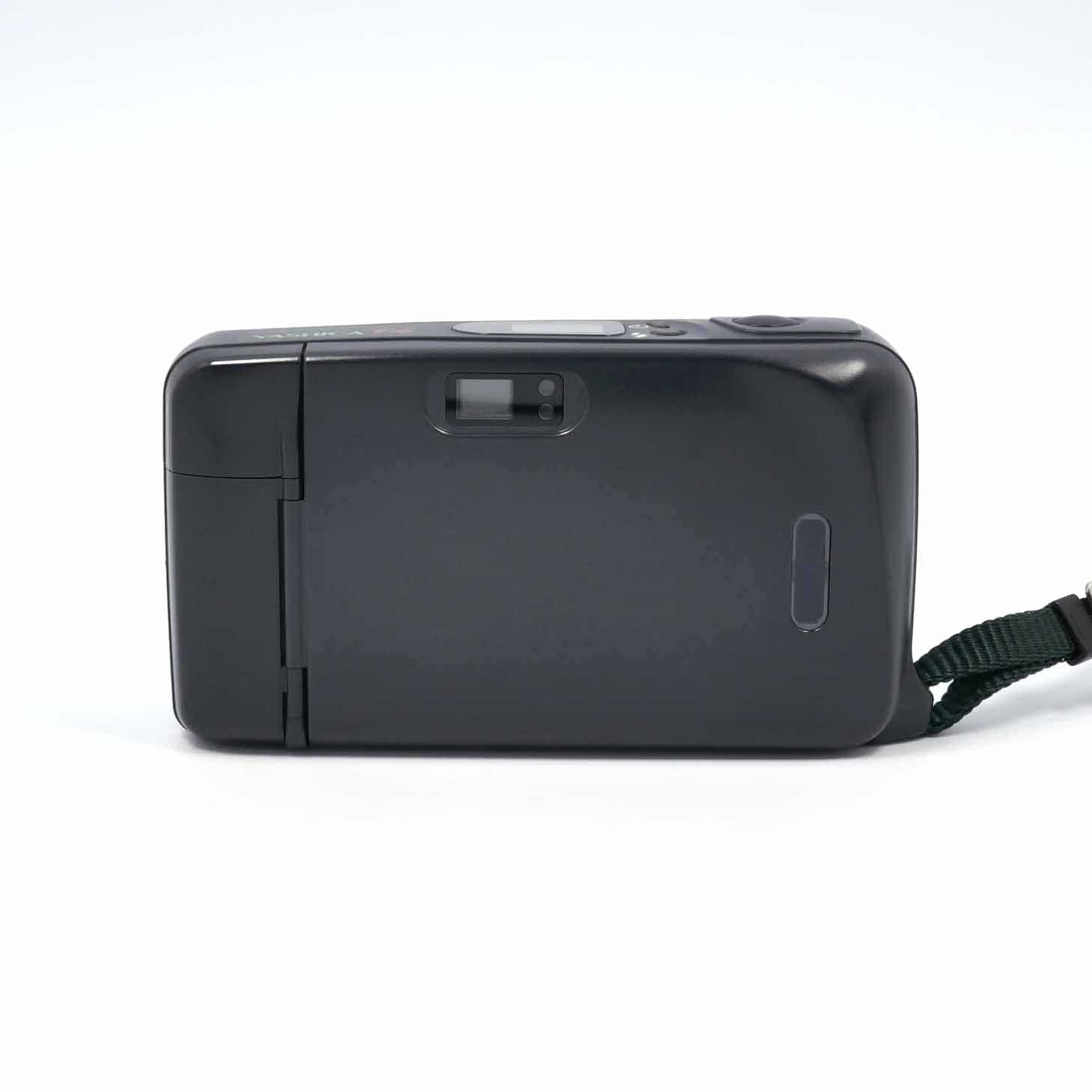 clean-cameras-Yashica-T4-Safari-03
